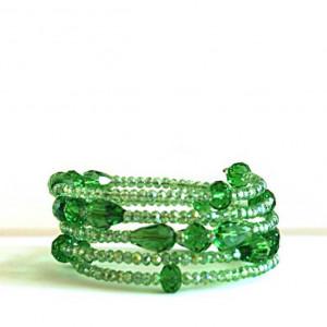Vibrante pulsera de cristal verde