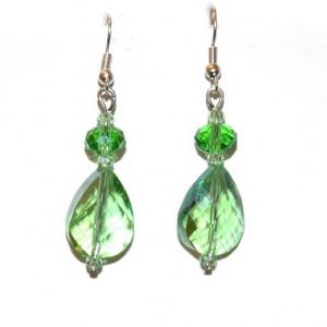 Vibrante pendientes de cristal verde